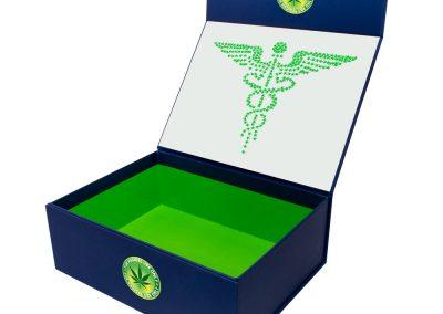 Cannabis-Box-Curaleaf-1712069WO-3