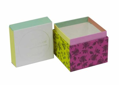 Paperboard-Box-Collar-Lid-DE--Packaging-open